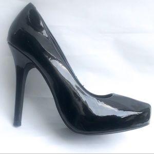 Cathy Jean classic black vinyl pumps